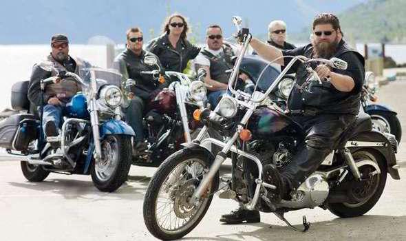 bikers-379983.jpg