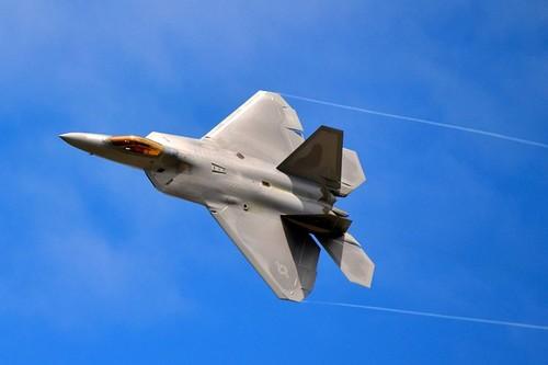 F-22-.jpg