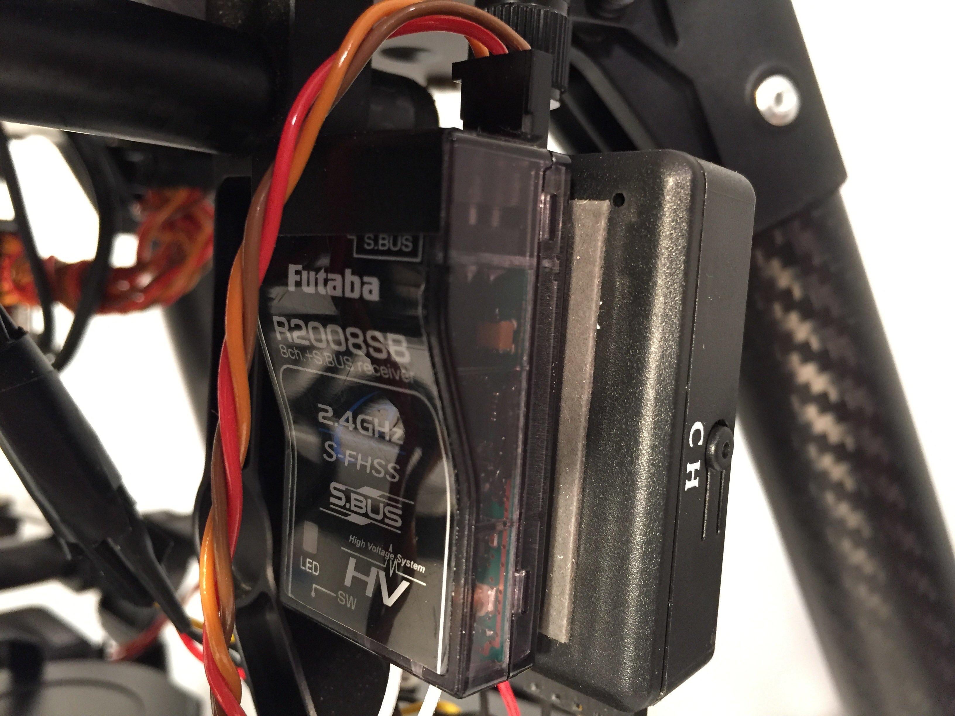 Futaba R2008SB Receiver - 2.jpg
