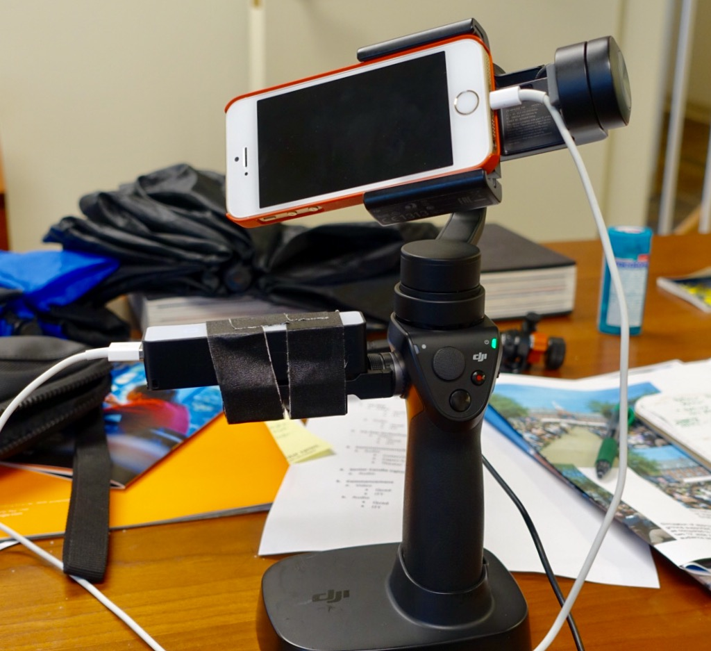 OSMO Mobile with iPhone SE and external battery