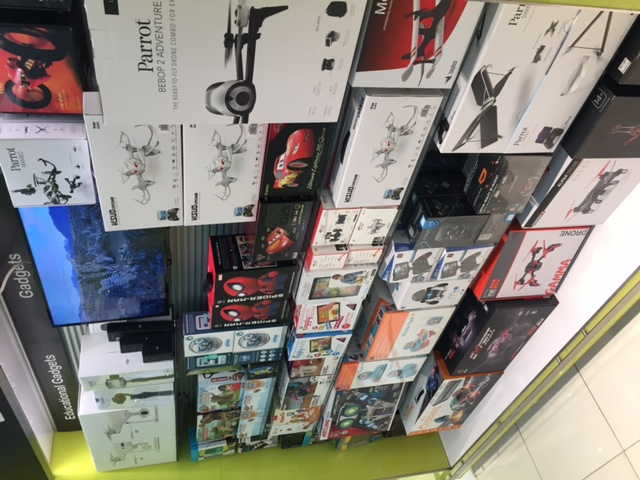 Electronics shop at terminal 3