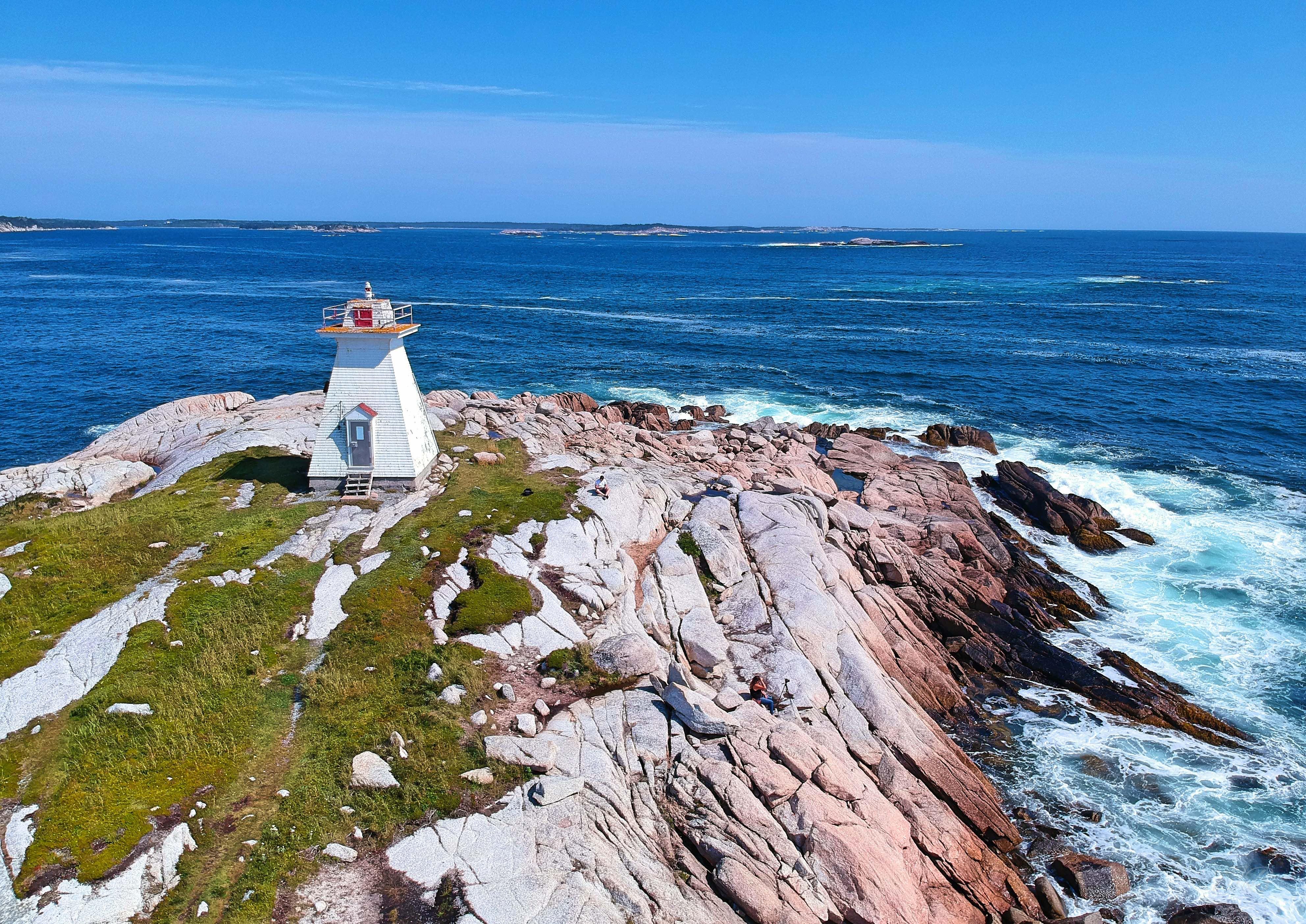 Terence Bay Lighthouse.jpg