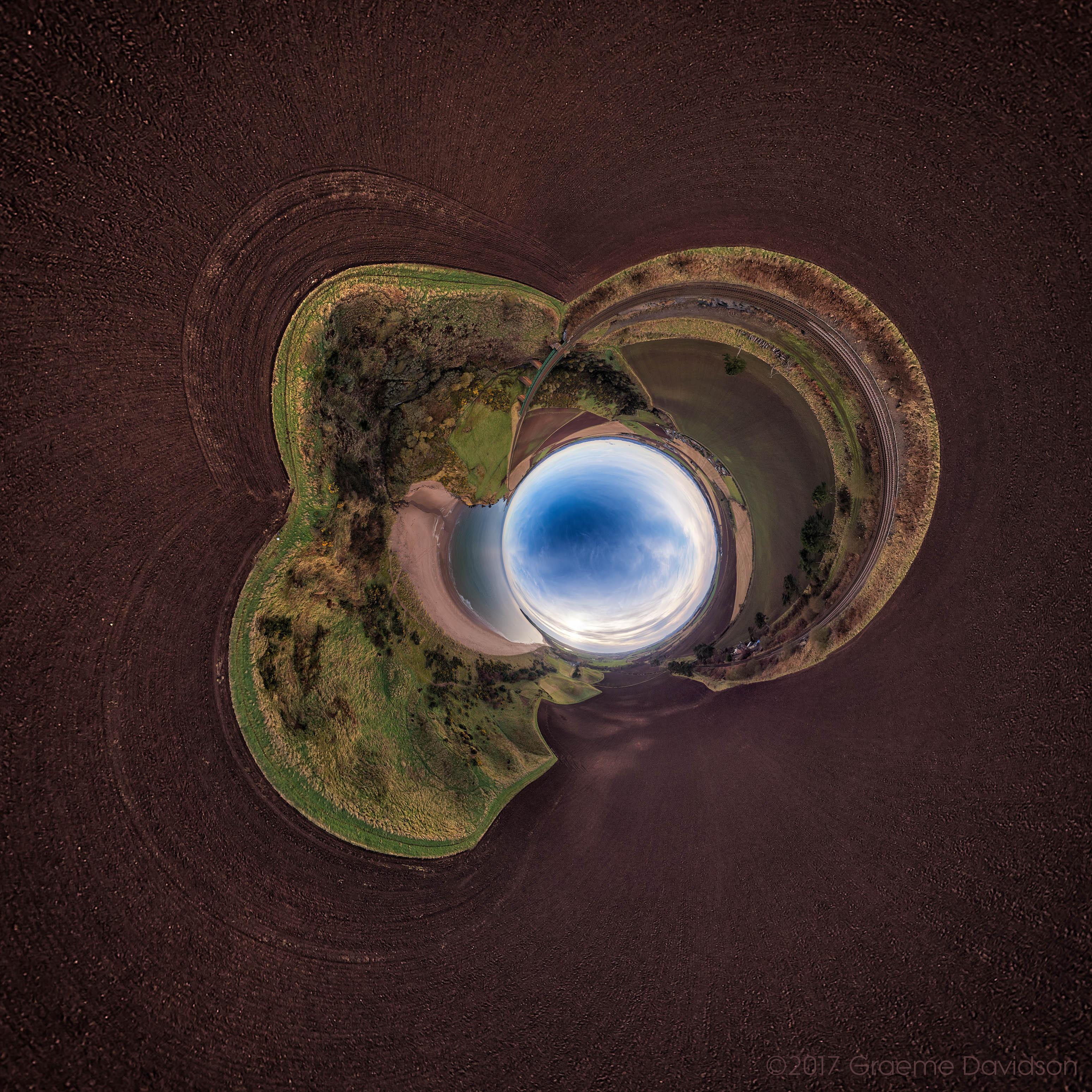 Lunan - Inverted planet
