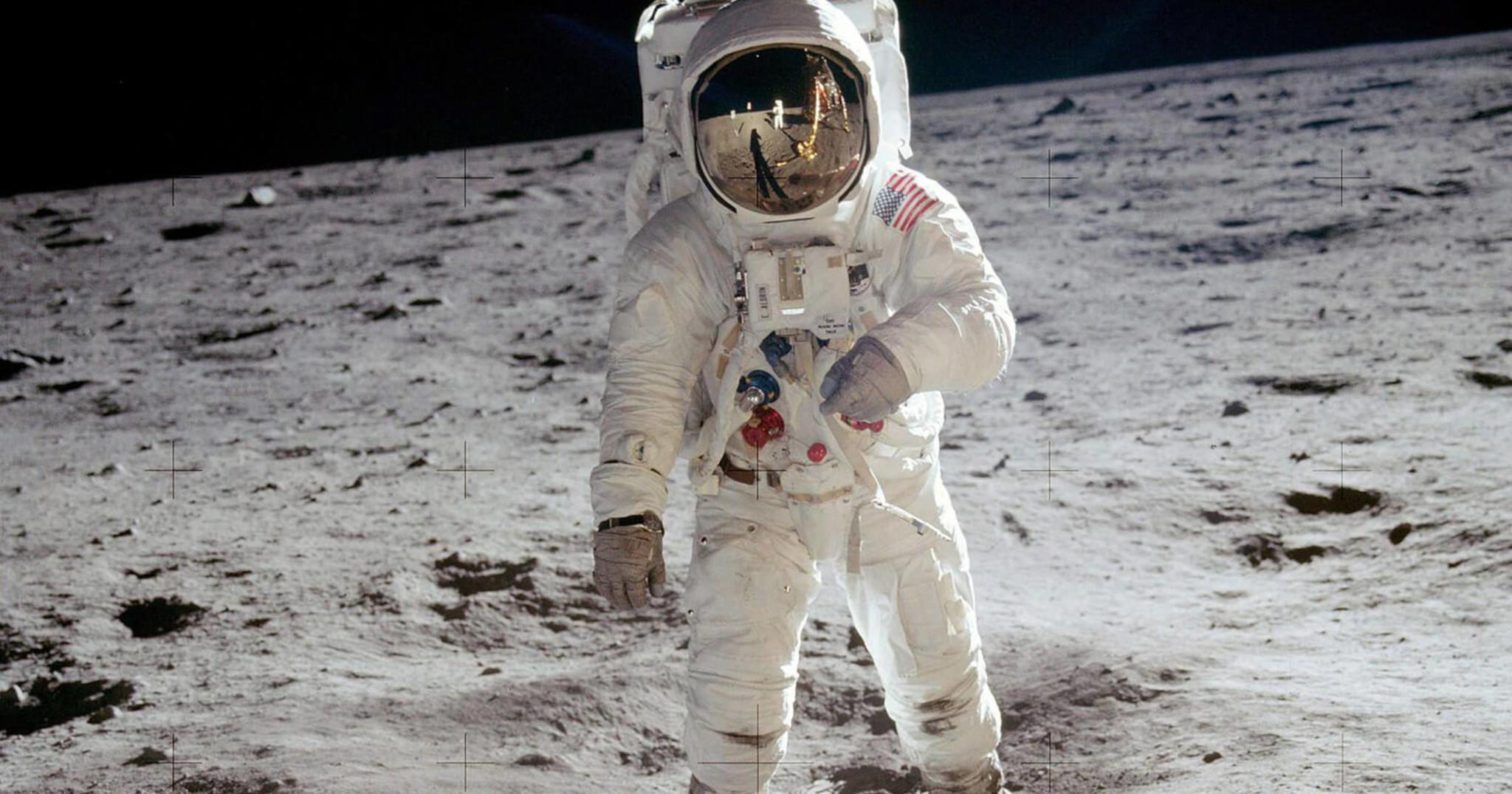 2.man-on-the-moon.jpg