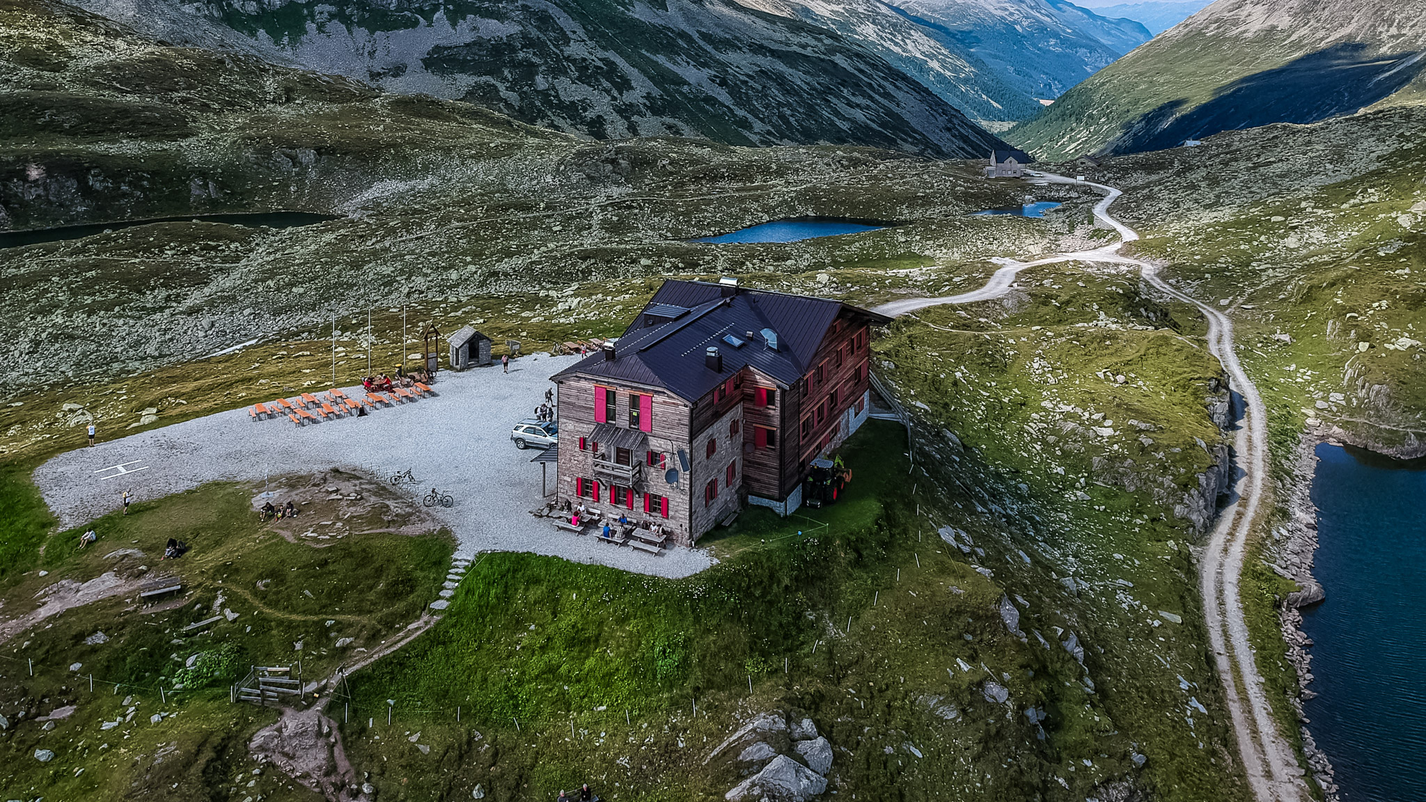 Pfitscherjochhaus - border austria/italy