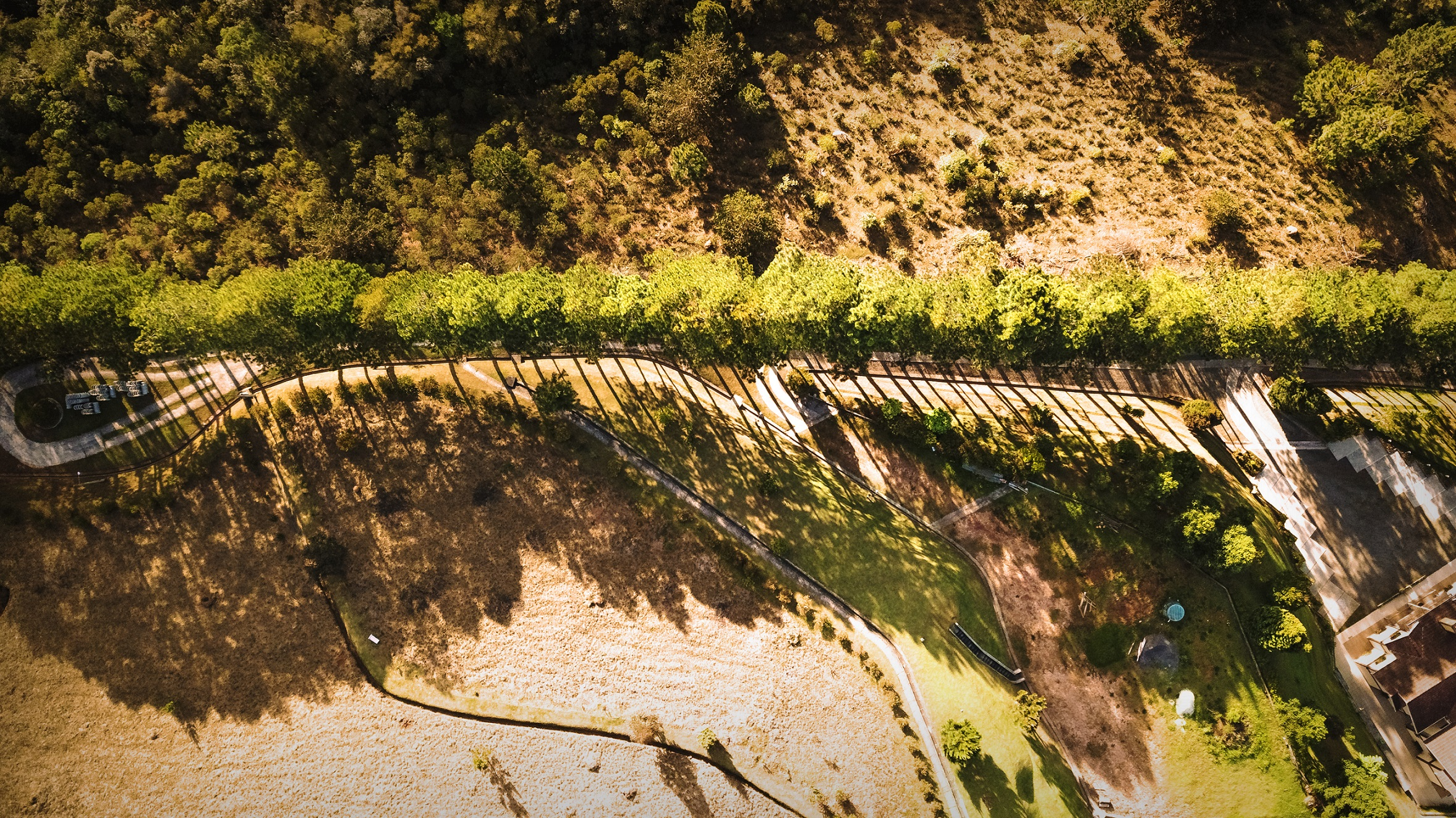 Campos do Jordão - Shadows (HDR).jpg