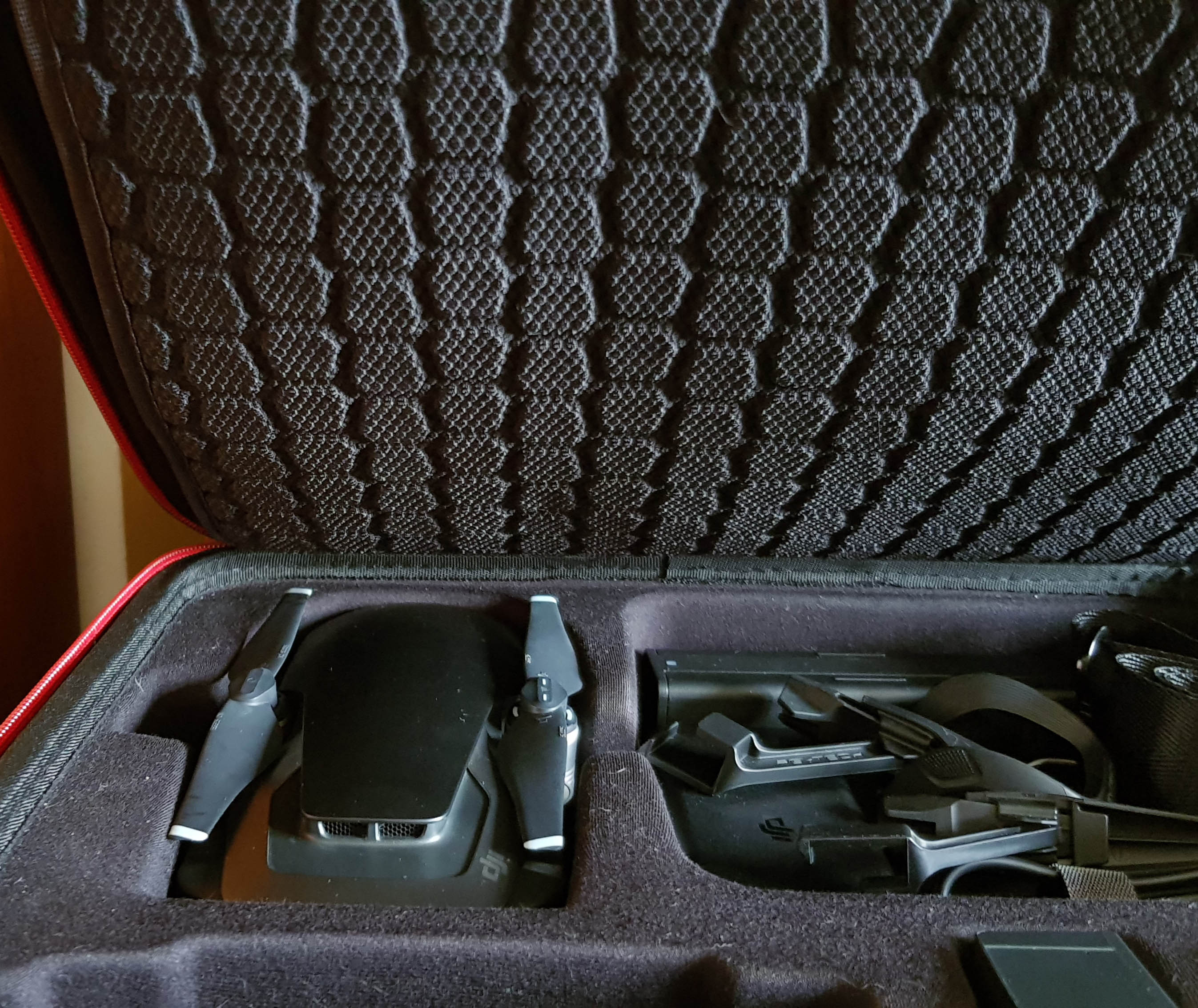 Mavic Air Inside Case.jpg