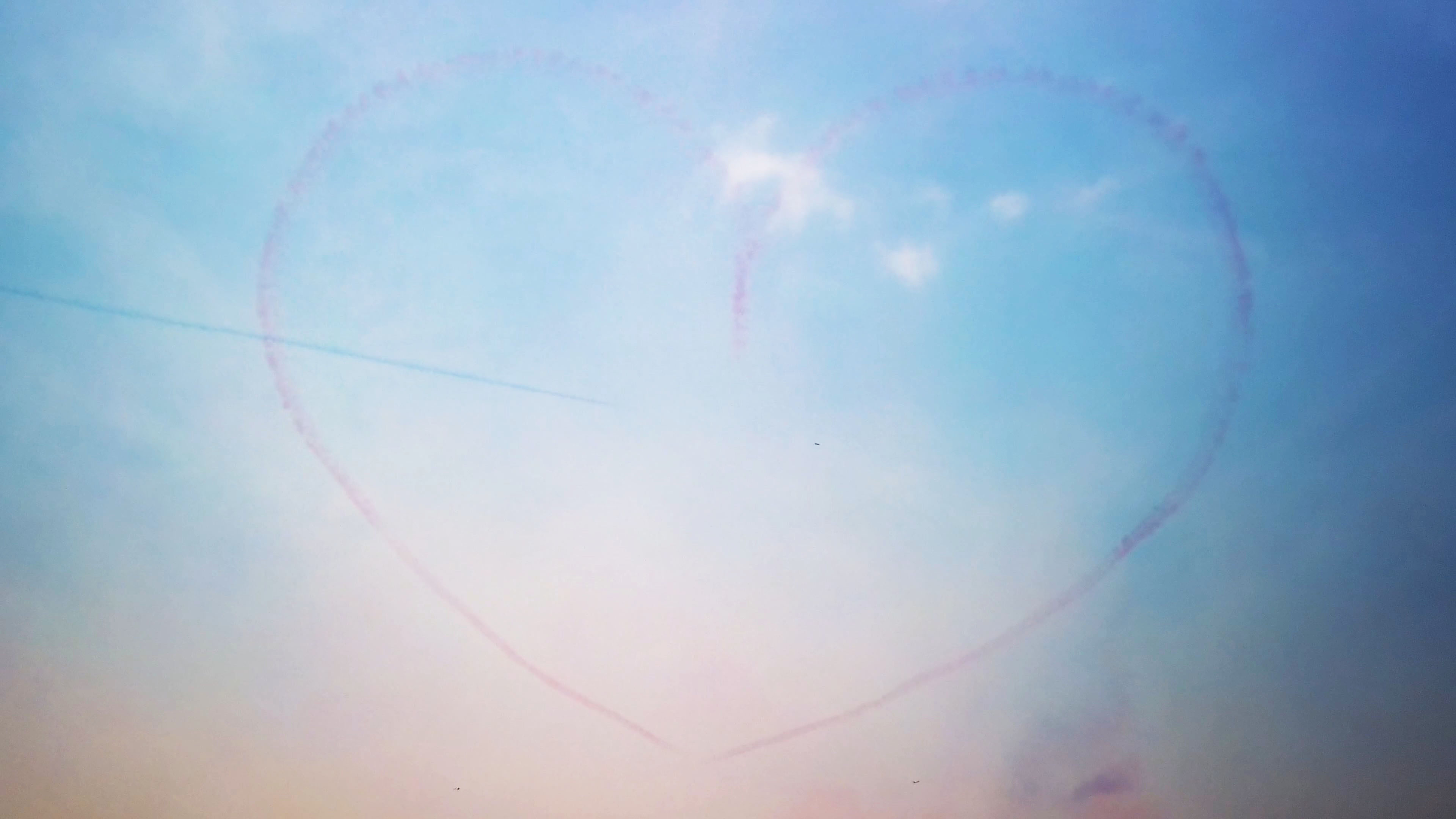 OSMO Pocket Air Show+.mp4_20190515_035032.688.jpg