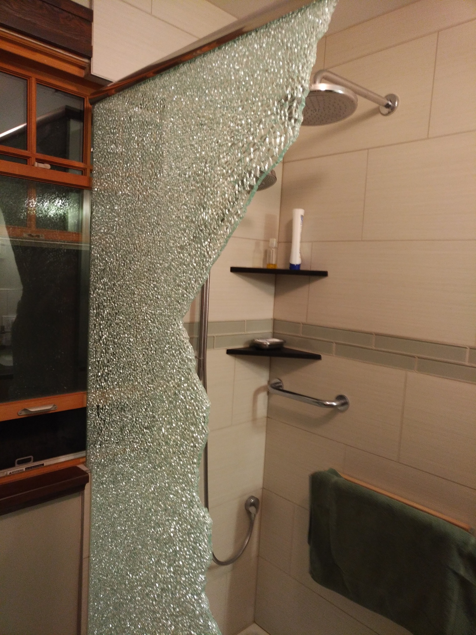 shower glass1.jpg